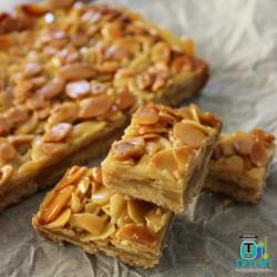 honey-almond-slice-700x700