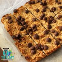 choc chip muesli slice